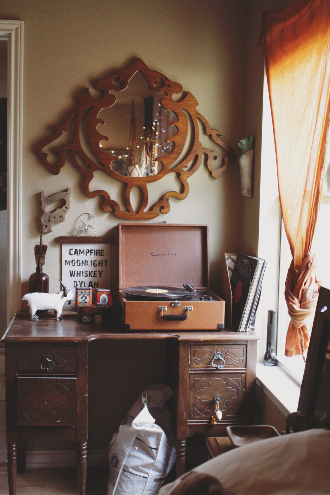 Bedside corner via rootsandfeathers.com