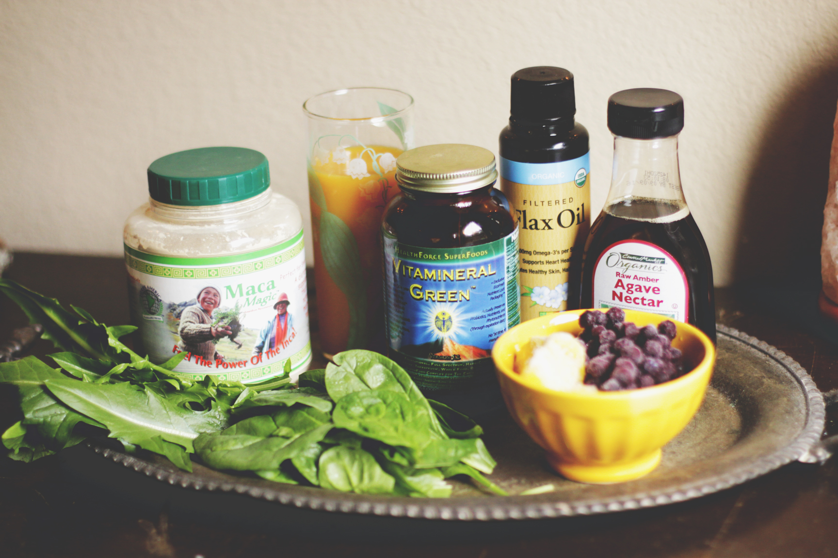 Purple Green Smoothie via rootsandfeathers.com