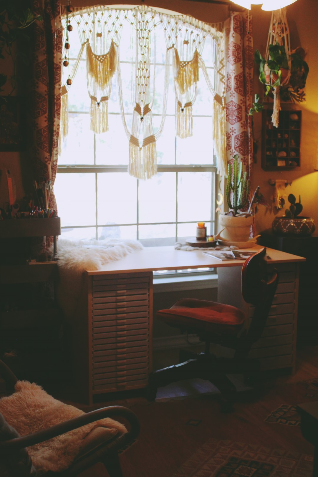 Laura Mazurek's Studio via rootsandfeathers.com