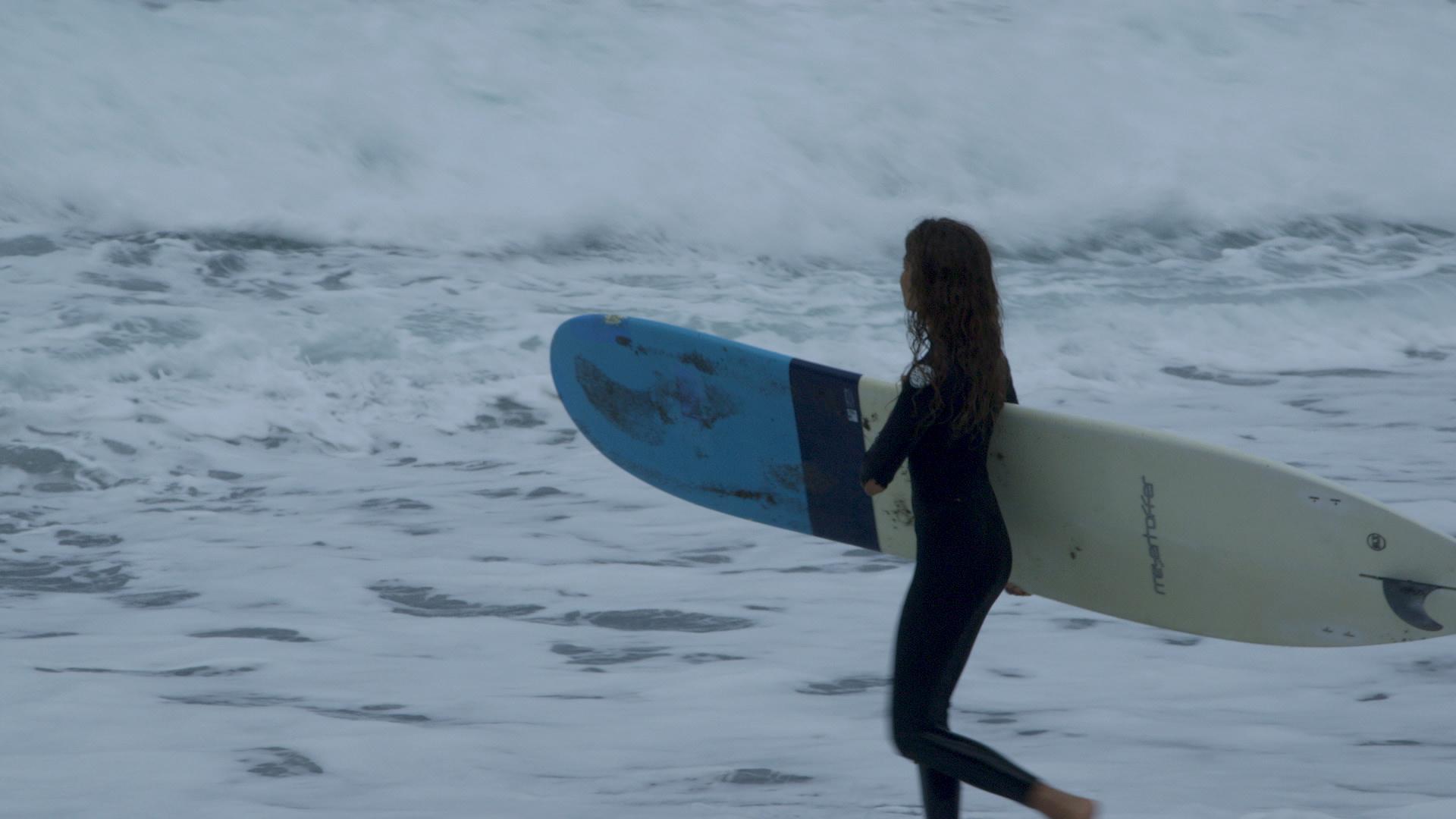 H FYLH TOY KRHTIKOY SURF.jpg
