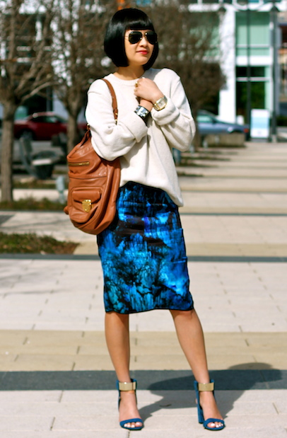 Zara skirt and shoes, Gap sweater, Ray-Ban sunglasses, MarcJacobsbag