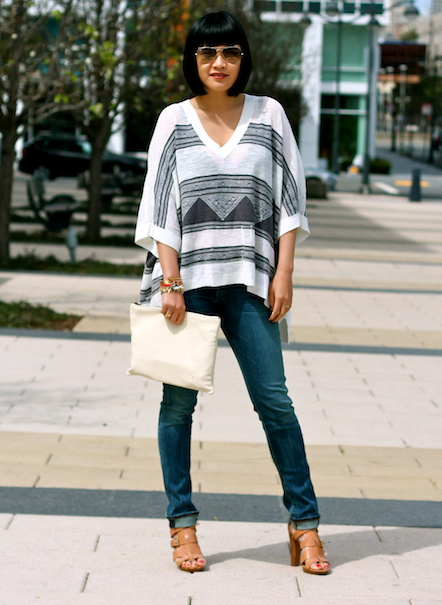 Club Monaco poncho, Citizens of Humanity jeans, Pour La Victoire shoes, Ray-Ban sunglasses, Mark and Graham bag