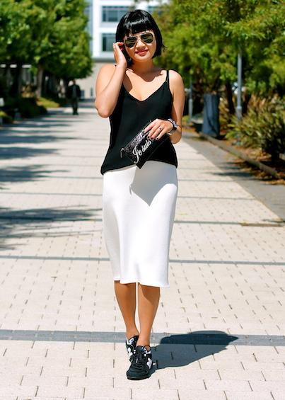 Zara skirt and top, New Balance sneakers, Felix Rey bag, Ray-Ban sunglasses