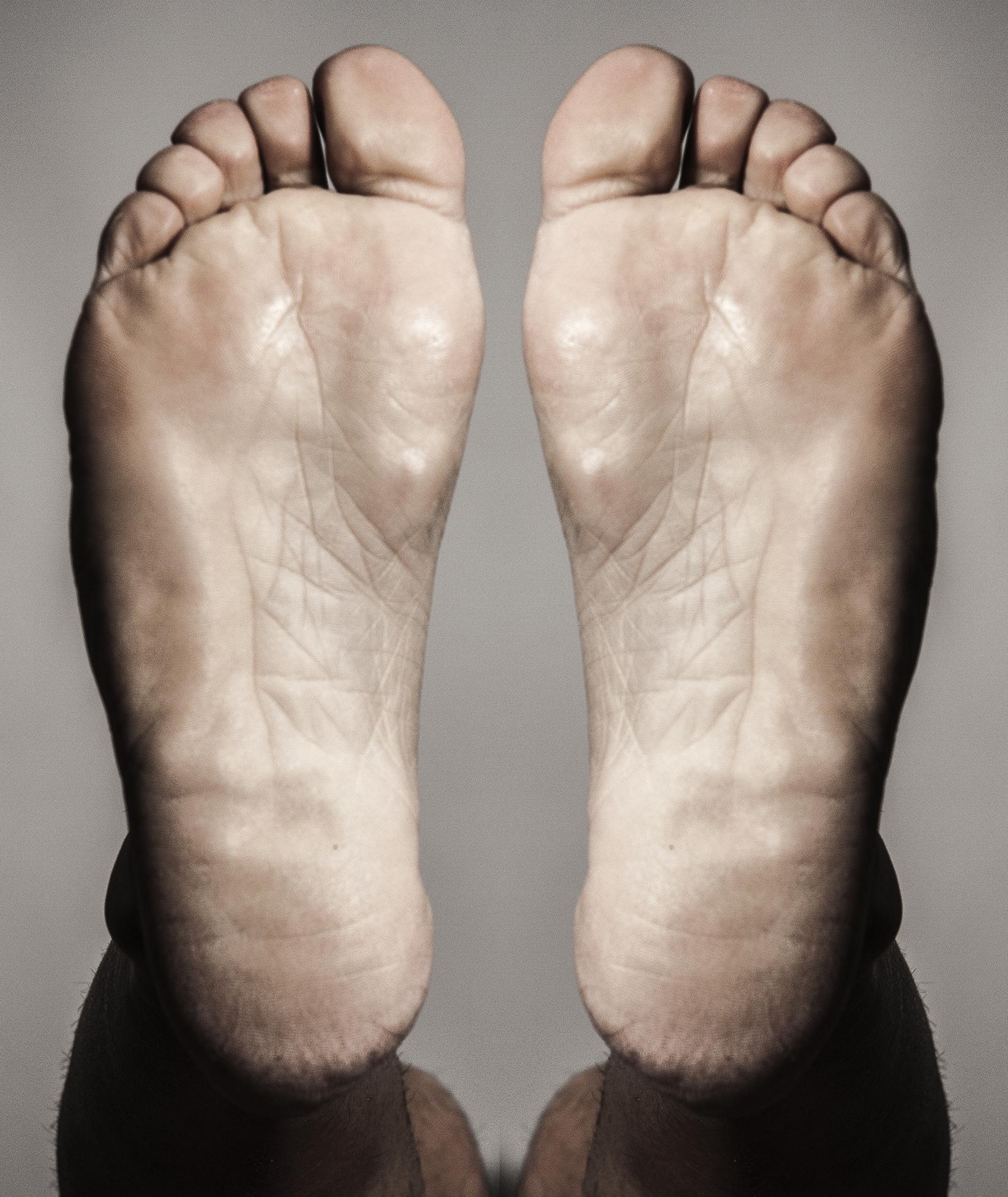 FOOT-01B.jpg