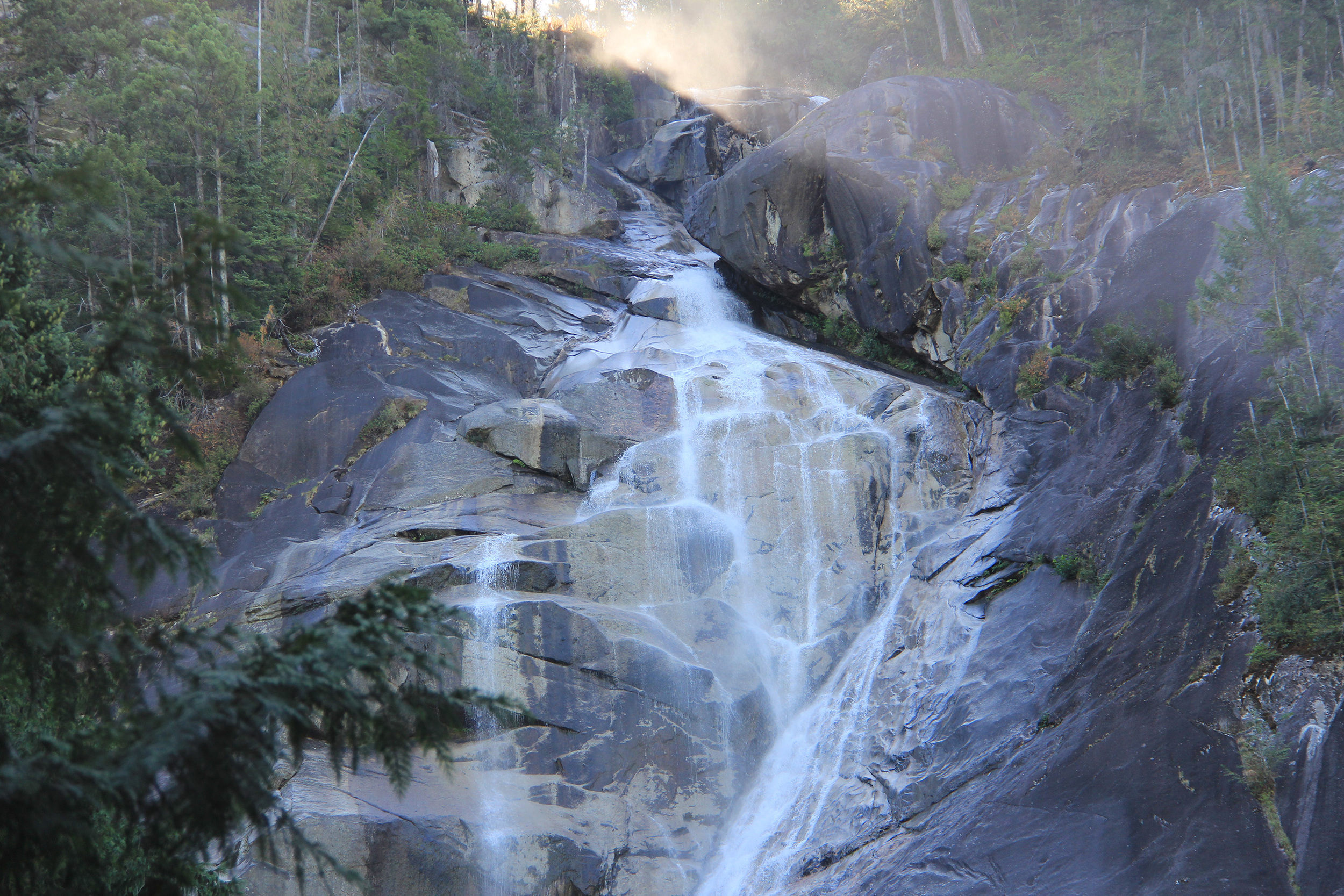 Shannon Falls, Squamish (spelt Skwxwu7mesh in the native language - the 7 represents a guttural sound)