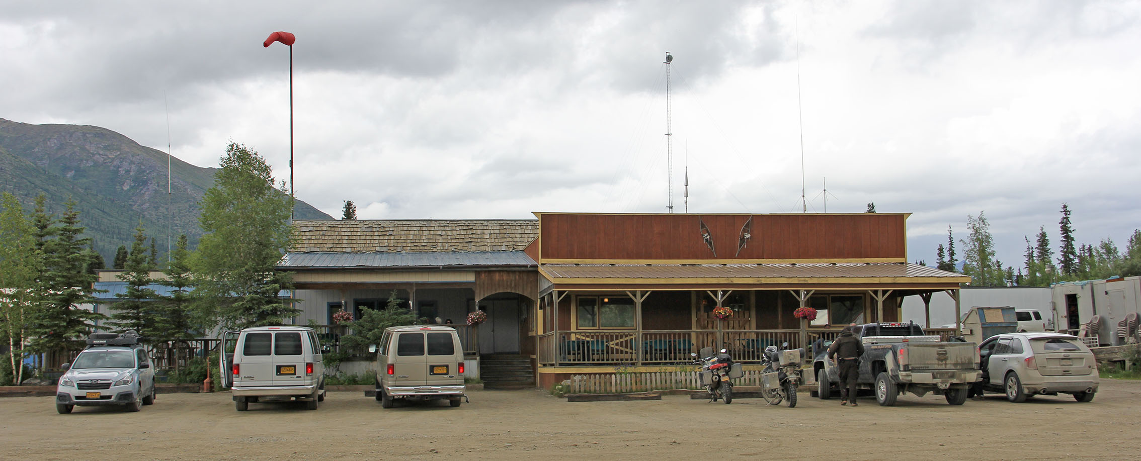 This the Coldfoot Camp restaurant, cafe, bar, shower block and accommodation .