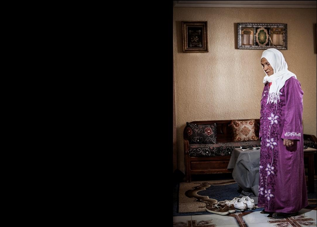 Fathi Hadagi voulait rejoindre son frère qui s'est installé en Italie. La situation stable de son frère l'a poussée à tenter la traversée, malgré le fait qu'il avait un emploi au sein de la municipalité de Hammam Lif. Fathi a pris la mer en laissant derrière lui sa mère Saghira el Bkakri. Crédit image : Aymen Omrani