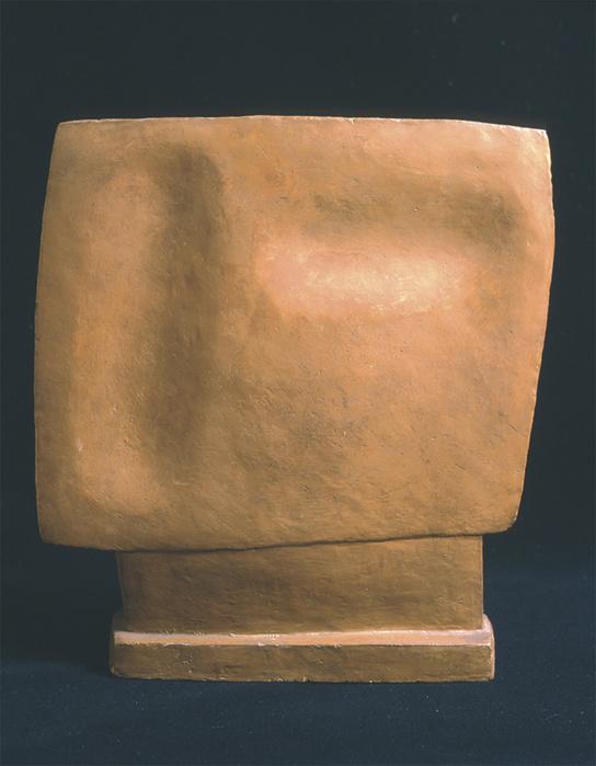 Alberto Giacometti,   Tête qui regarde,  1929 Terre cuite —37 ×33 ×6 cm Courtesy Jeanne Bucher Jaeger