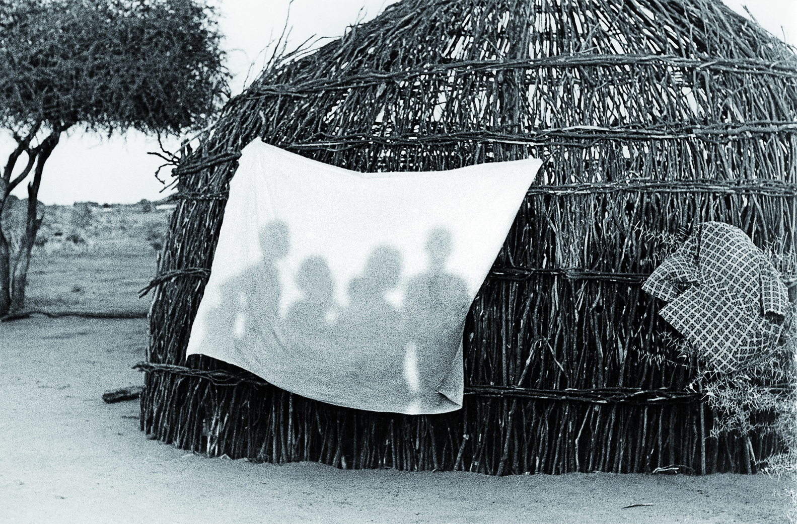 Jeux d'ombres en Somalie/ Myriam Viallefont-Haas