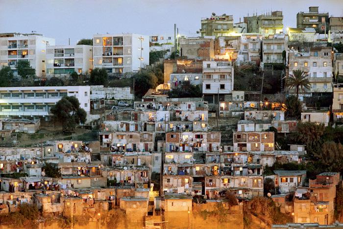 Karim Kal ,   Cités d'Urgence  , Alger, 2006 Série de 5 photographies, tirage jet d'encre, contre-collage dibond, 90 x 120 cm