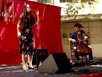 Marion Cousin & Gaspar Claus à Convivència, Arles, 15 juillet 2017 – © Tieri Briet