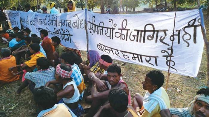 Adivasis du village de Kudur, dans le district de Bastar, au Chhattisgarh, en lutte contre le projet de barrage de Bodhghat