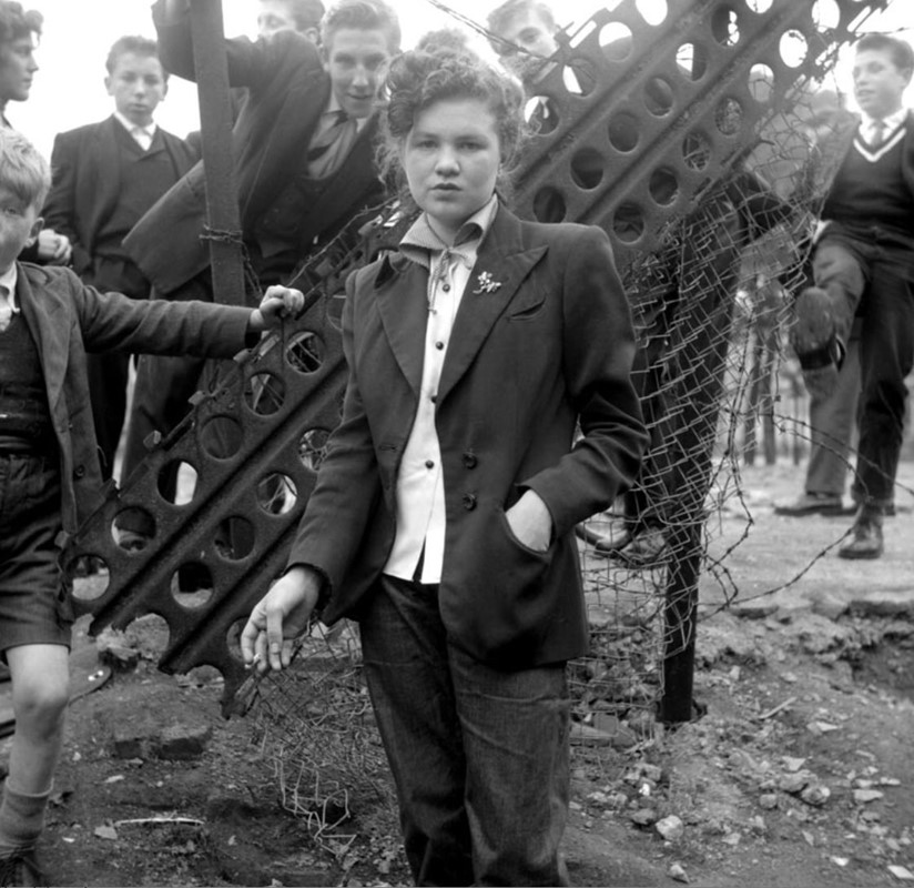 Jean Rayner, the last of the Teddy Girls, 1954. Une photo de Ken Russell