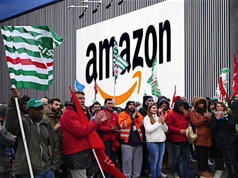 Les grévistes de l'entrepôt Amazon de Castel San Giovanni