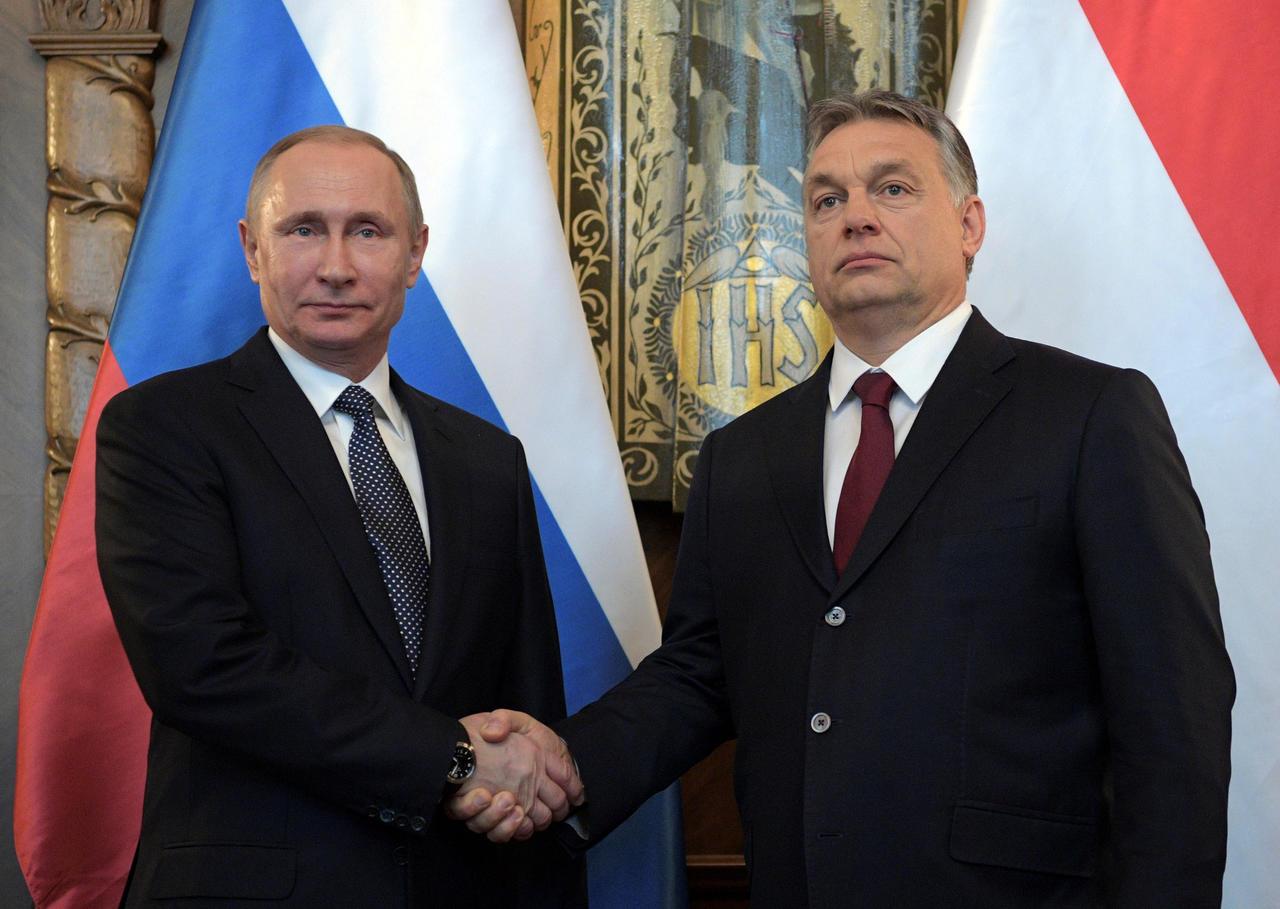 """Ma démocratie, à ma main : Orban et Poutine, deux """"esthètes"""" de la paix."""