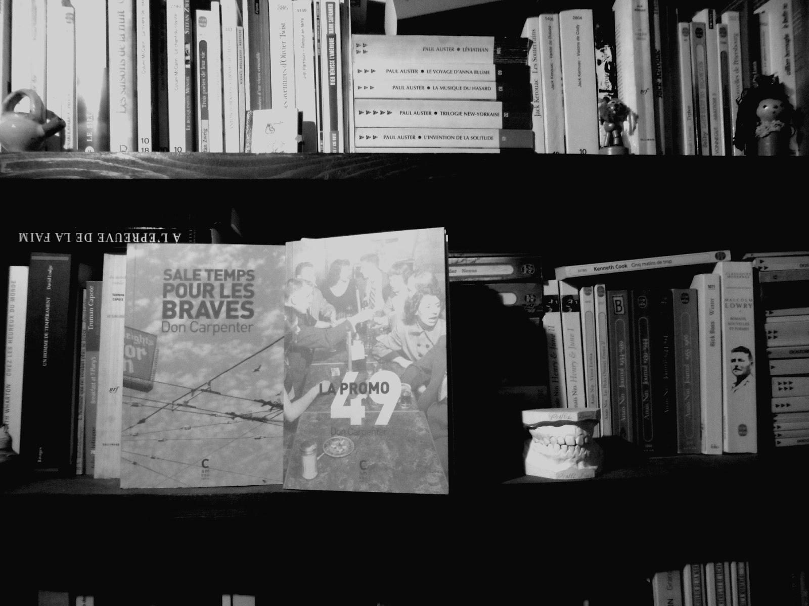 Des vies en clair obscur brossées finement par Don Carpenter - Livres | Jusqu'à présent inédit en France, «Clair obscur» est dans la droite lignée de «Sale temps pour les braves», le livre le plus fameux de Don Carpenter. En Californie et dans ses environs, petits mafieux et désaxés se croisent à l'adolescence, se perdent de vue après un drame qui va bouleverser leurs existences et se retrouvent des années plus tard. Et…