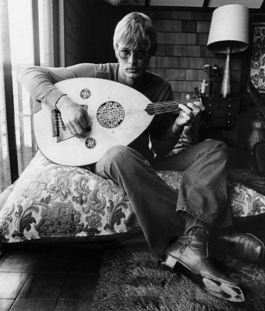 Sandy Bull, le taureau (électrique) par les cornes - Musique | En tombant, par hasard, sur la liste des dix disques des 60's de Hunter Thompson, sur le nom de Sandy Bull, je me suis de suite demandé pourquoi je ne connaissais pas ce musicien, et pour quelle raison il était aussi injustement oublié en 2019. Une découverte aussi improbable que miraculeuse.