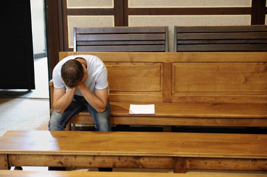 Justice - 1 sdf sur 2 jugé devant un tribunal est condamné à de la prison ferme contre 13,5% de ceux qui disposent d'une adresse -