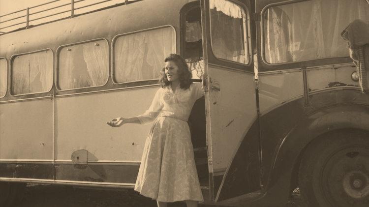jeunefemme-bus.jpg