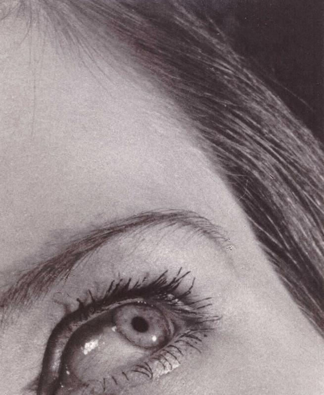 """André Steiner  Sans titre, 1934 Tirage gélatino-argentique d'époque Dimensions du tirage : 21,8 x 16,2 cm Tampon encré """"Studio André Steiner, 18 rue Louis Le Grand, Paris 2e"""" au verso"""