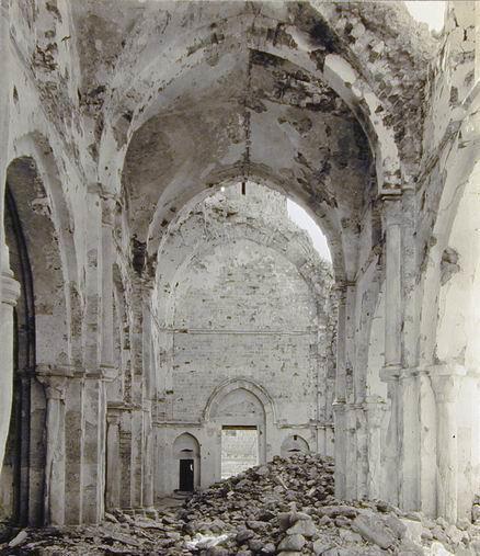 La mosquée Al Omari, bombardée par les Britanniques en avril 1917...