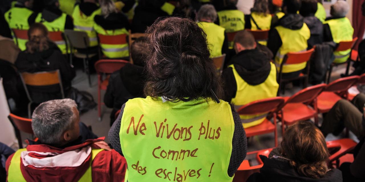 Gilets-jaunes-le-monde-de-la-culture-salue-un-mouvement-sans-precedent.jpg