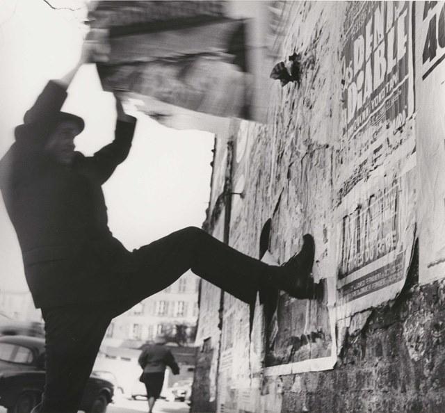 Harry SHIUNK et Janos KANDER / JACQUES VILLEGLE / Montparnasse, 1961.