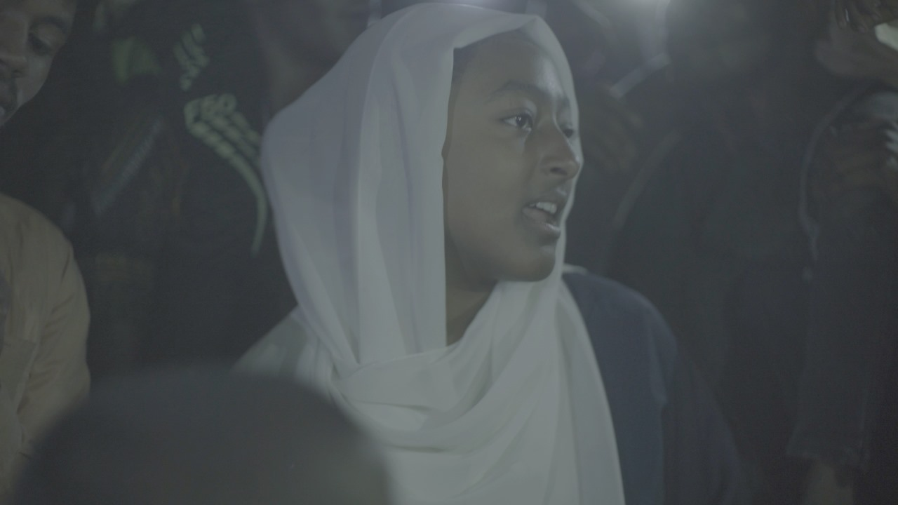 Hind Meddeb - Chants révolutionnaires entamés en choeur sur le sit-in démocratique à Khartoum– à Khartoum