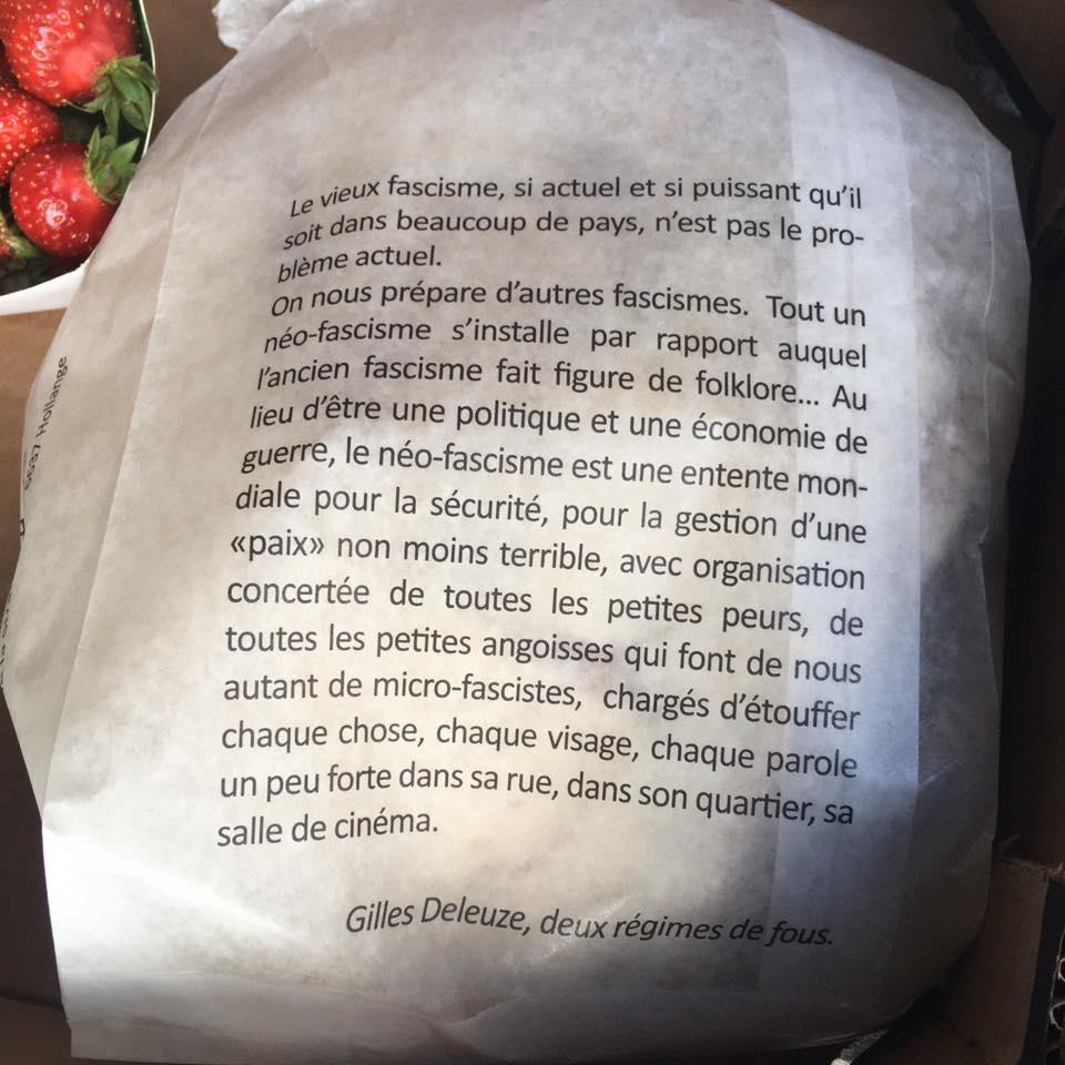 """Sandrine Dyvers : """"Mon boulanger imprime sur ses sachets de pain des textes qui valent la peine d'être lus..."""". On vous évite de chercher, c'est en Belgique, à Outremeuse, un quartier de Liège, et la boulangerie s'appelle    """"Un pain c'est tout""""."""