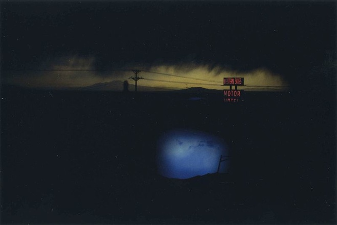 Ernst Haas,  Western Skies Motel, New Mexico, USA, 1978    C-Print — 50 × 76 cm© Ernst Haas Estate / Courtesy Les Douches la Galerie, Paris