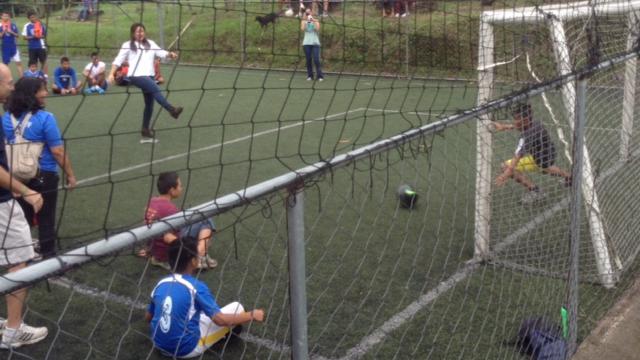 El-S-3-3-Soccer Kick.JPG