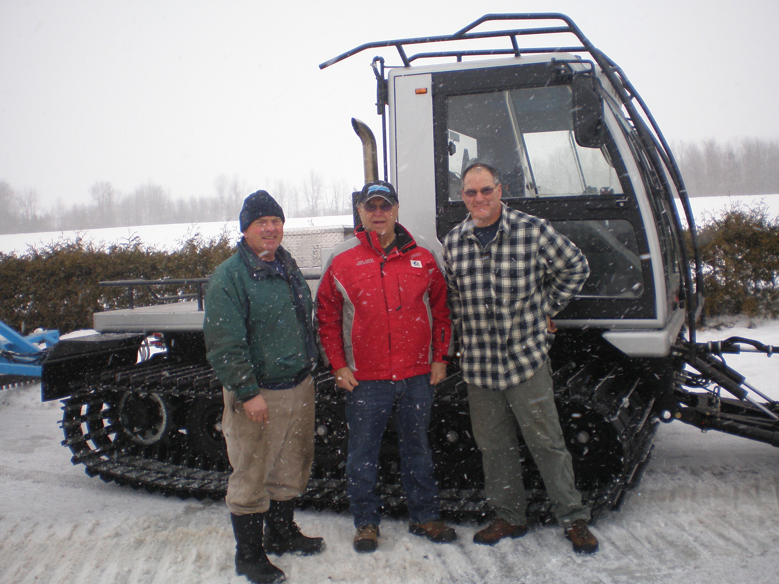 Groomer Operator Wayne Dandy, Mike Heino - The Shop Industrial, Groomer Operator Doug Champagne with CRSC's new 2013 Husky.