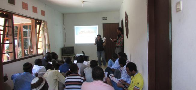 2013-refugee-info-sessions-1.jpg