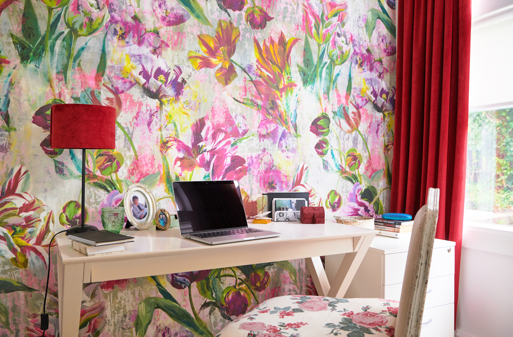 We sourced the Designers Guild wallpaper from our friends at Icon Textiles | photo:    Florence Charvin
