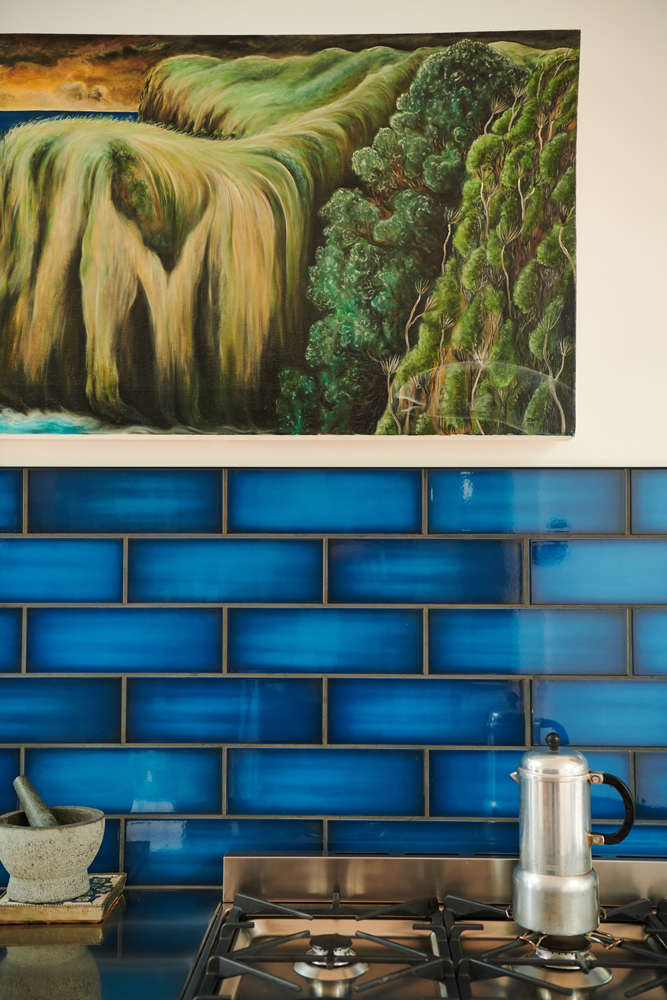 Marilyn brought these tiles into us for our approval. We love them, of course | photo:    Florence Charvin