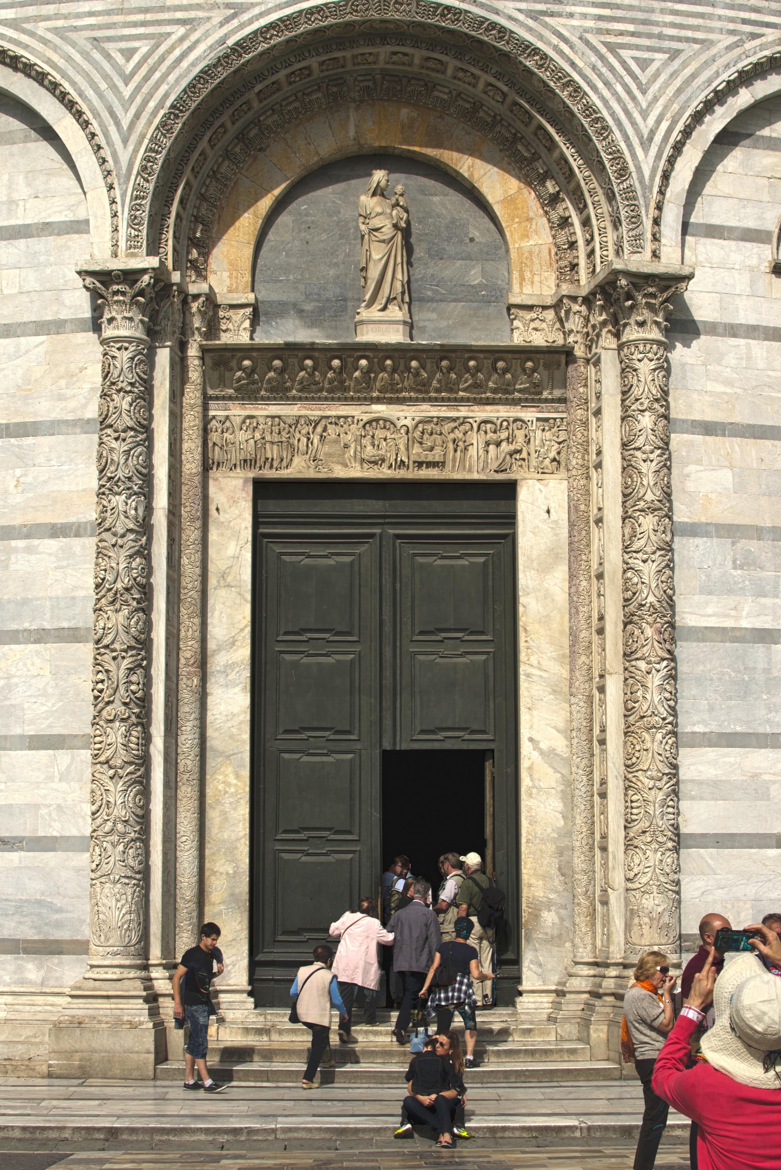 Pisa Baptistry_HDR2.jpg