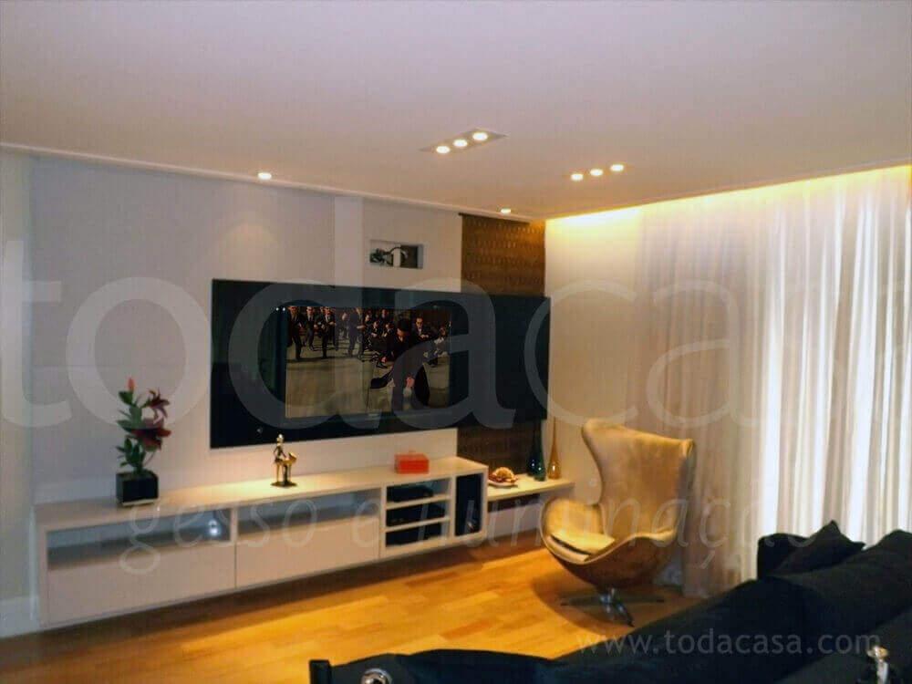forro-na-sala-com-spots-e-cortineiro-luminoso-luz-indireta-todacasa-gesso-e-iluminacao-www.todacasa.com_-2.jpg