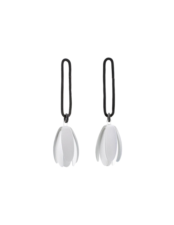 09_maia_leppo_white_trumpet_flower_earrings.jpg