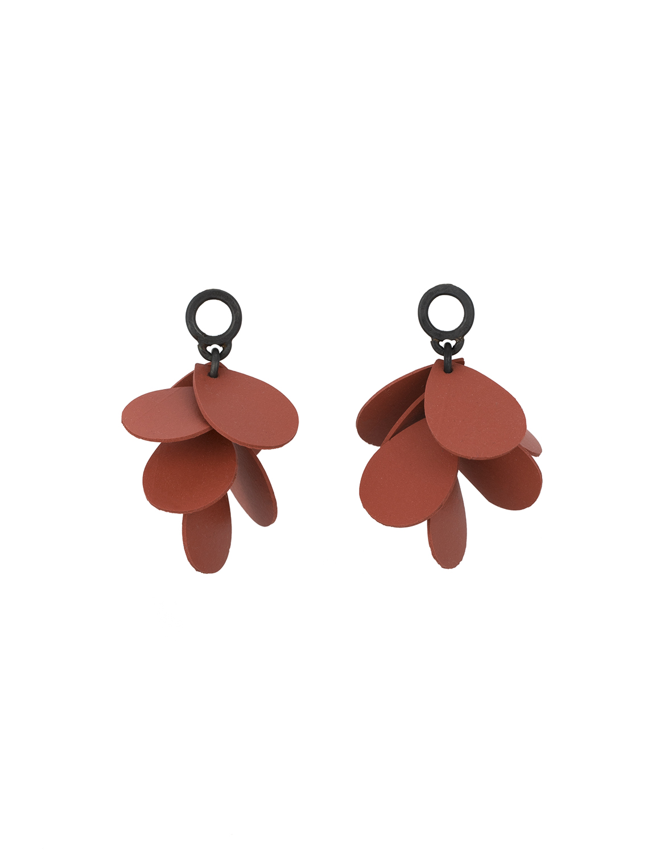 17_maia_leppo_rhododendrun_petal_earrings.jpg