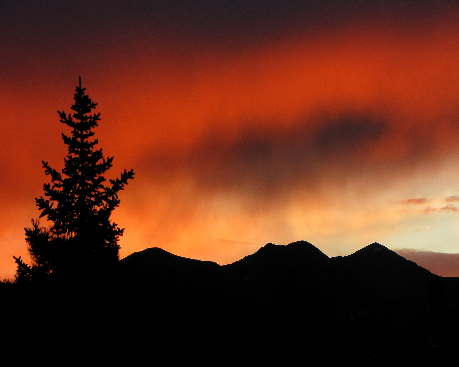 FIRE IN THE SKY, PHOTOGRAPH