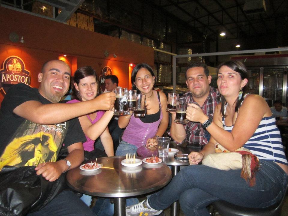 El plan de tour cervecero permite disfrutar de los distintos sabores y, al mismo tiempo, conocer sobre el proceso de elaboración de la bebida.