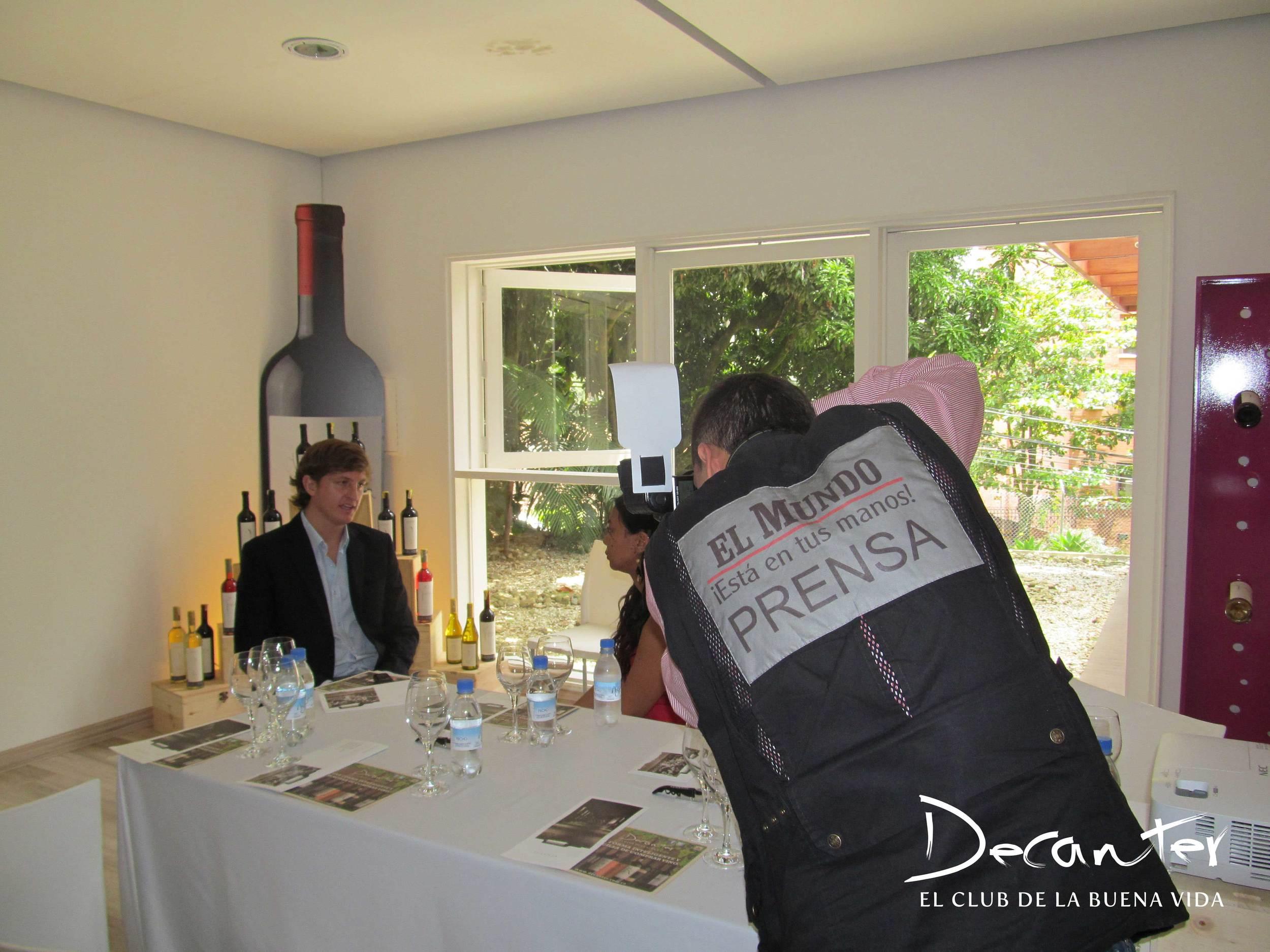 La visita a Colombia de Diego Pulenta despertó el interés de diversos medios de prensa, entre ellos El Mundo, El Colombiano, El Espectador y Noticias Uno.