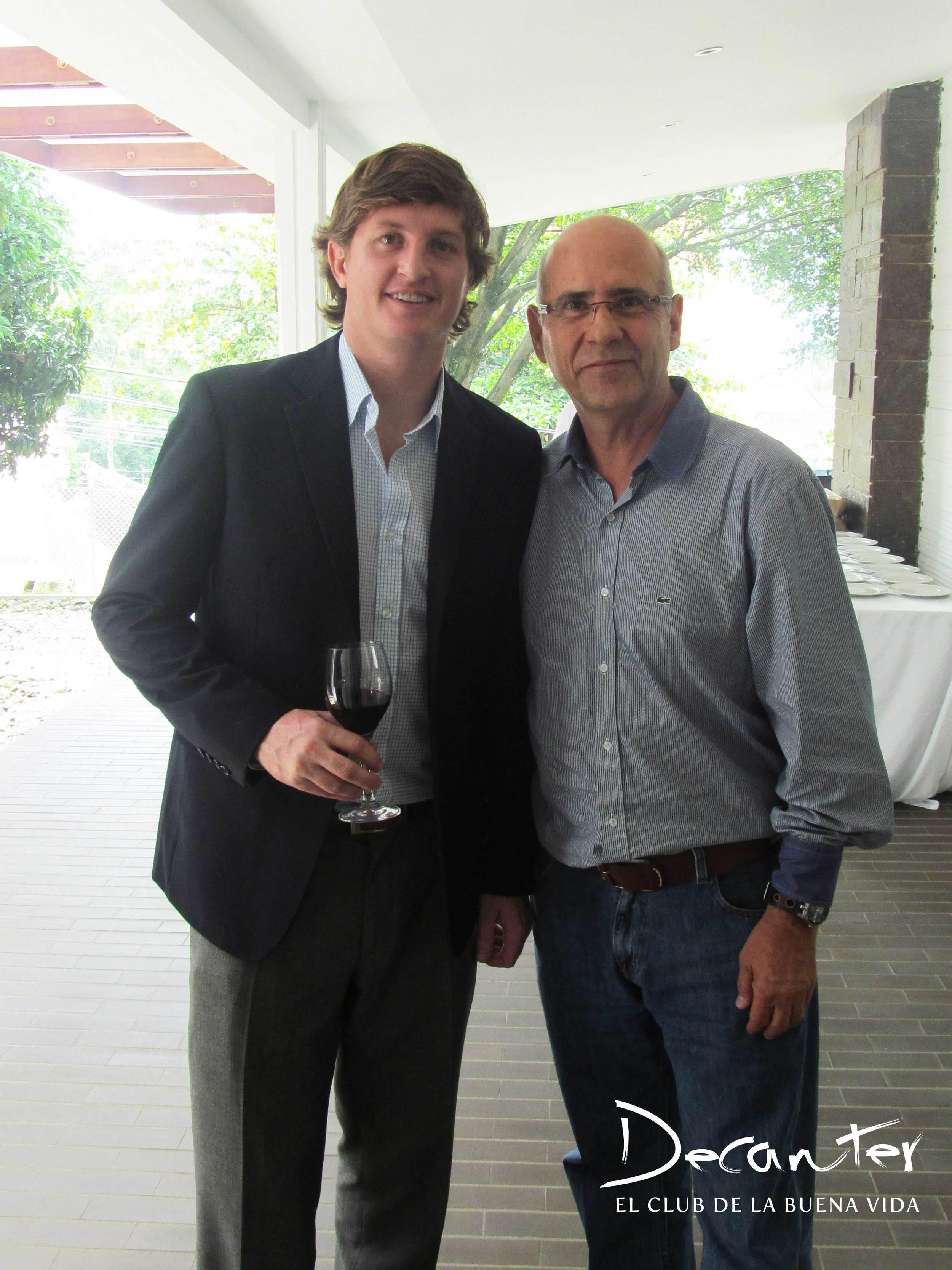 Diego Pulenta y Raúl Caro, uno de los suscriptores del Club de vinos Decanter invitados al evento de Medellín.