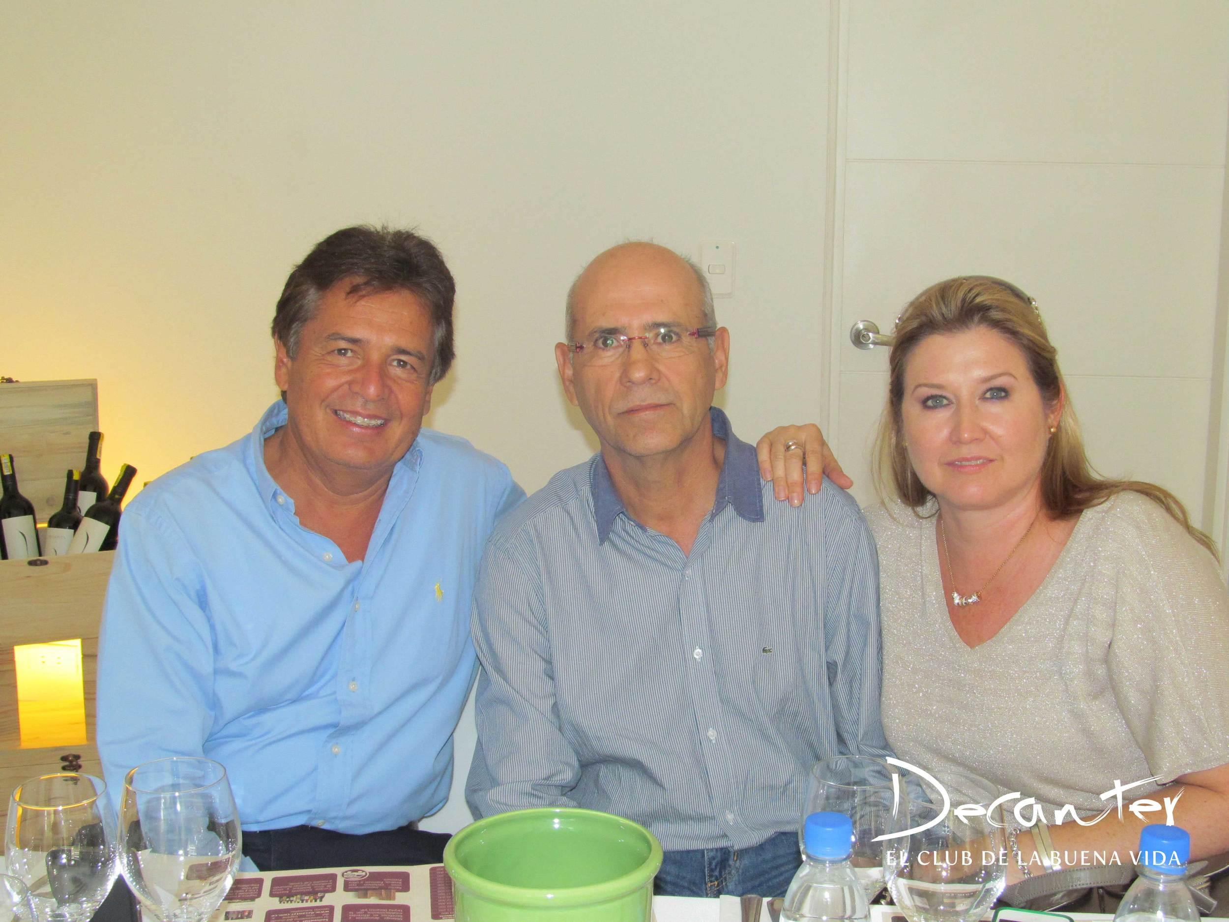 José Noé Caro, Raúl Caro y Victoria Vallejo.