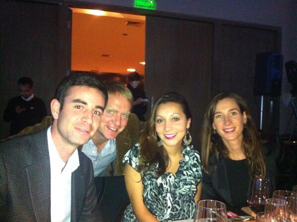 Parte del equipo de Viña Estampa se hizo presente en el hotel W de Santiago, para recibir los premios que fueron otorgados a sus vinos.