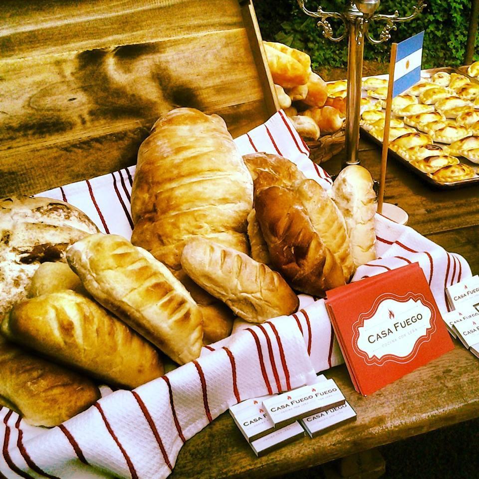 En Casa Fuego también ofrecen servicio de catering. Así llegarán hasta el lugar en que hizo su pedido.