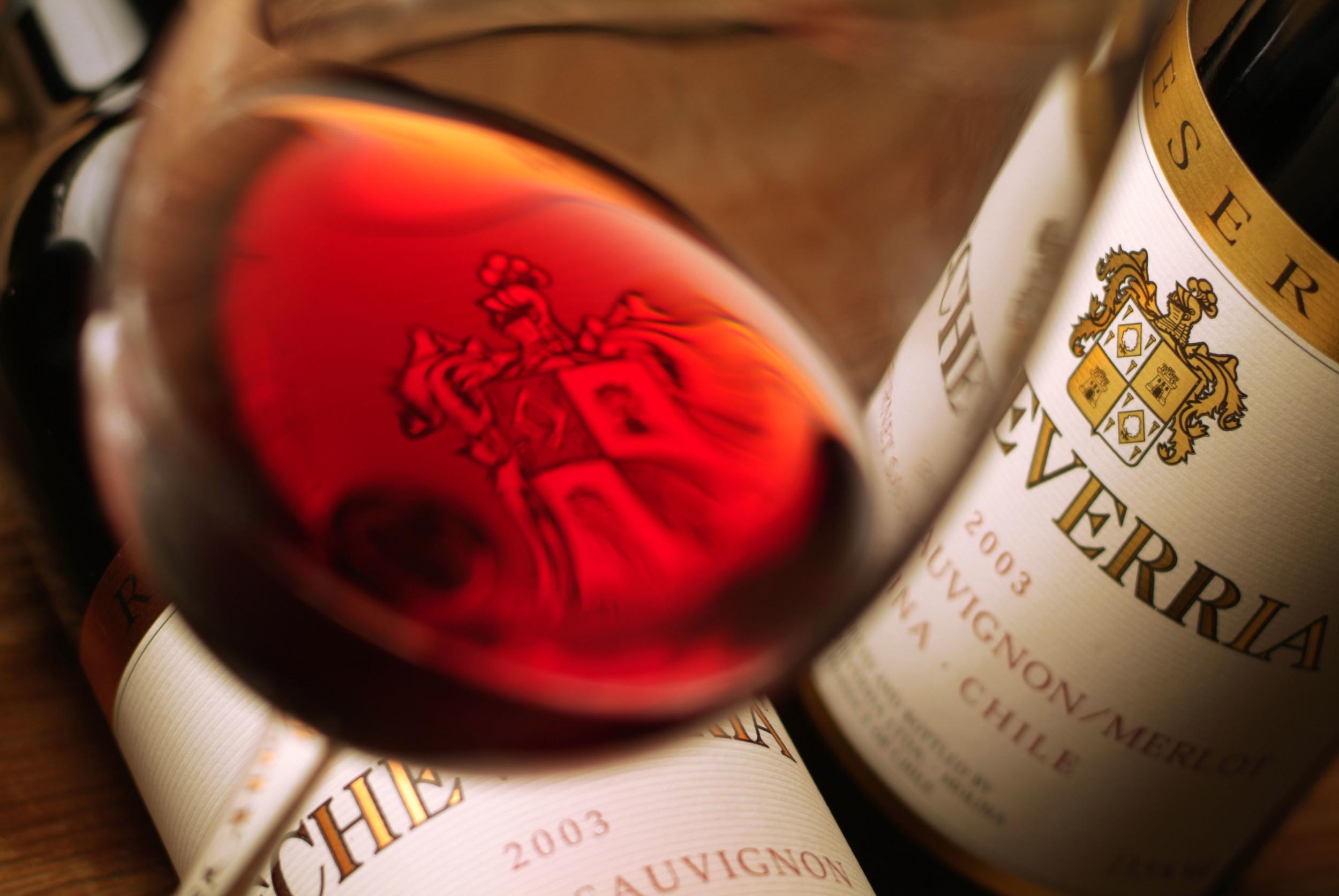 En vinos tintos Echeverría producemerlot, carménère, cabernet sauvignon, cabernet franc, pinot noir y syrah.