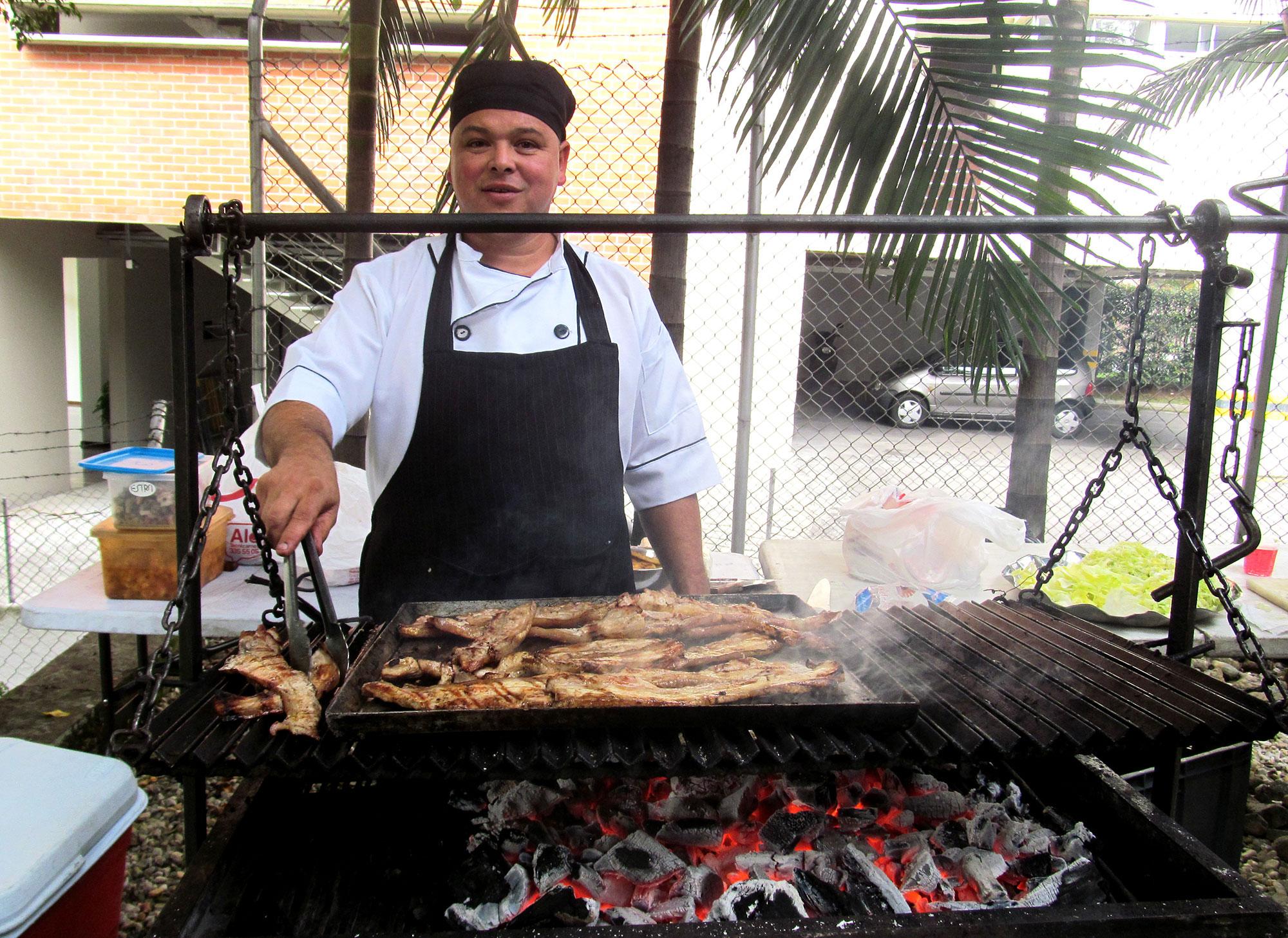 El asado estuvo a cargo de John Mario Agudelo Pineda.