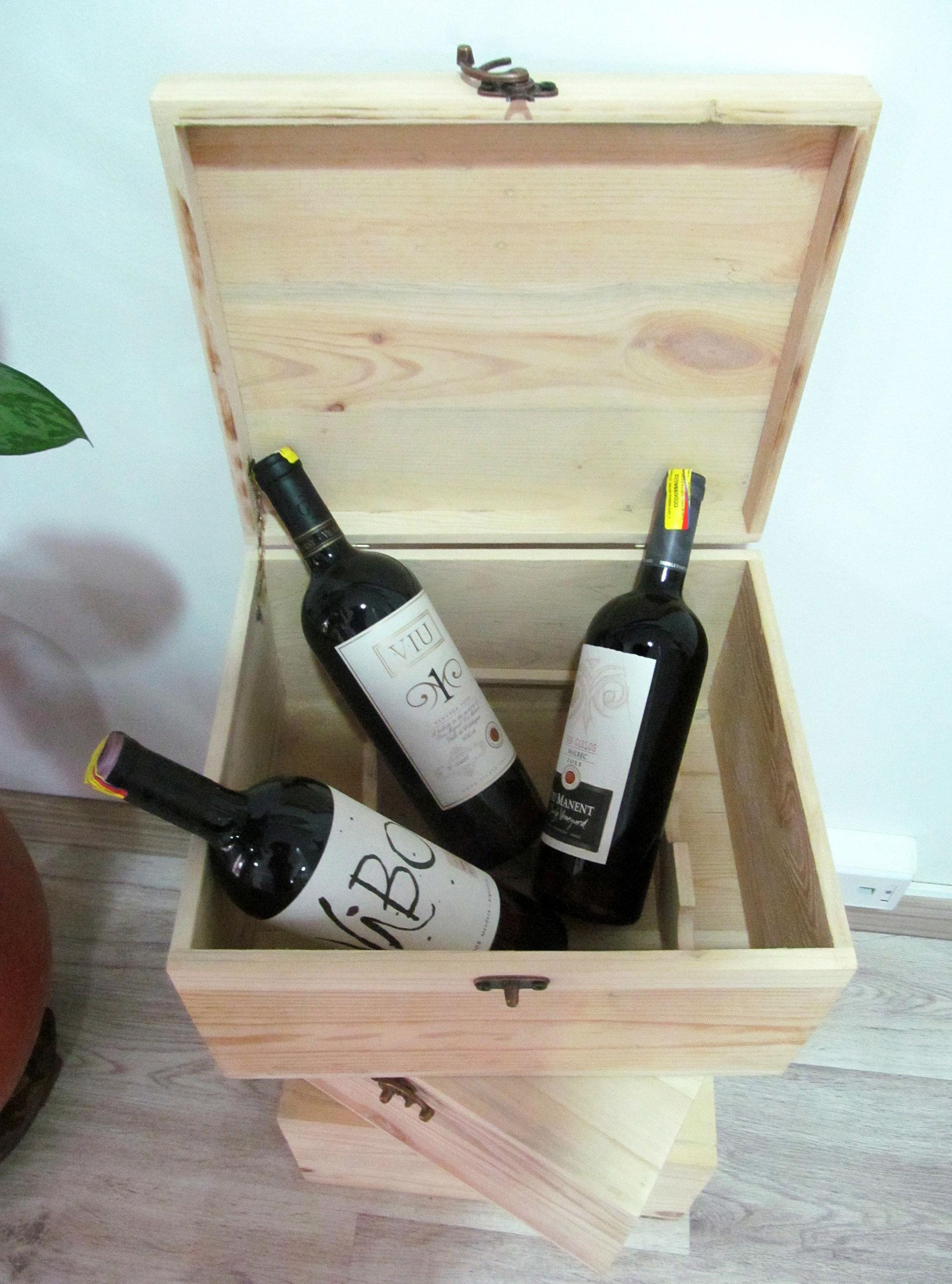 Algunos de los vinos de Viu Manent que se encuentran en el portafolio del Club de vinos Decanter.