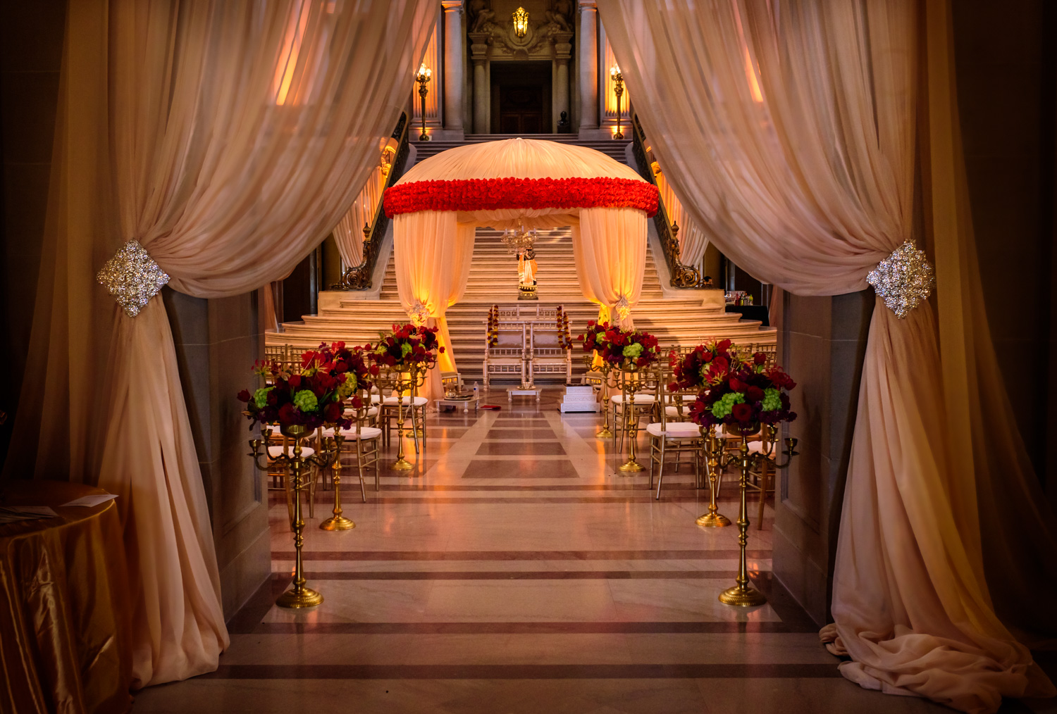 Wedding decor by Avant Planners at San Francisco City Hall